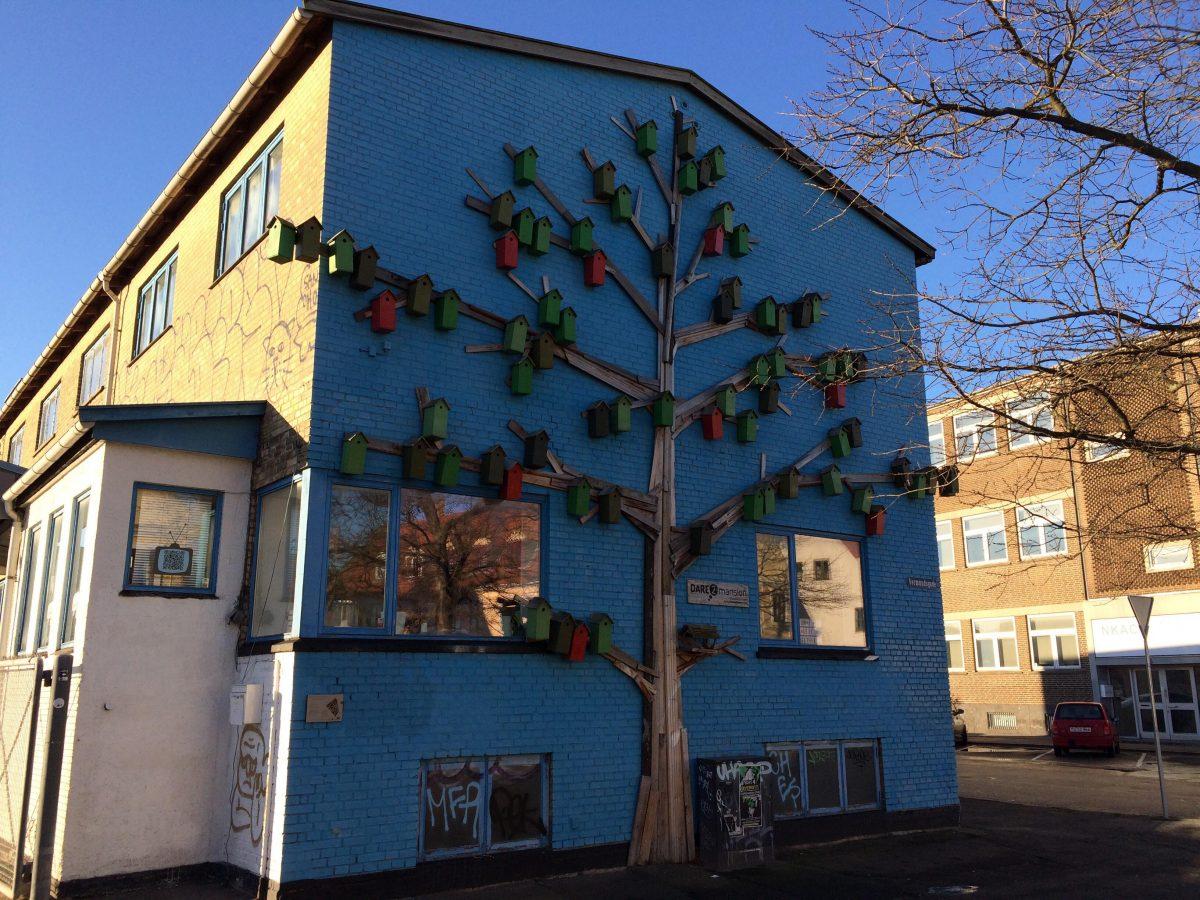 Birdhouse Tree